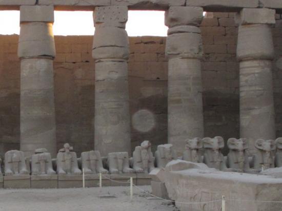 ORB ENTRE 2 COLONNES TEMPLE EGYPTIEN (Tête de Pharaon)